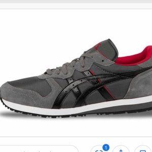 Like New!! ASICS Tiger OC women running shoes